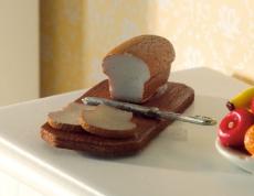 Brot, Messer und Scheidbrett Bread, Knife and Board