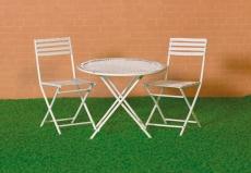 Weißer Tisch und 2 Stühle White Table & Two Chairs