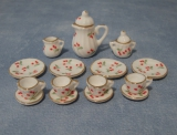 Tee-Set mit Kirschmuster Cherry Tea Set