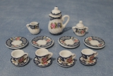 Tee-Set mit Blumenmuster Heavy Floral Tea Set