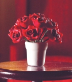 Rote Rosen in weißem Topf red Roses in Vase