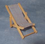 blauer Liegestuhl Blue Deckchair