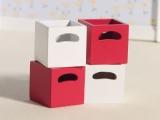 rote und weiße Boxen Cherry & White Storage Boxes